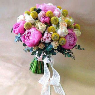 Букет невесты пионов и роз «Пред Тобой»
