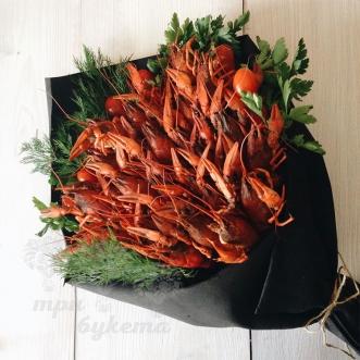 buket-iz-rakov-2-kg-i-tomatov